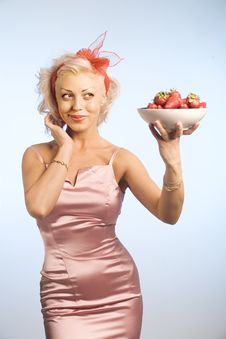 Free Woman With Bowl With Strawberry Stock Photo - 9221470