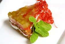 Free Dessert Fruit Cake With Pepermint Stock Photography - 9226692