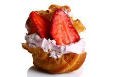 Free Fruitcake With Fresh Strawberry And Jam Royalty Free Stock Images - 9226809