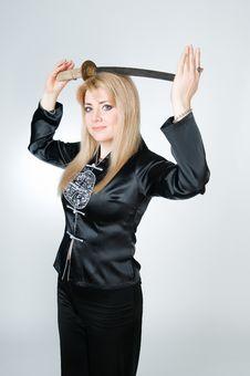 Free Beautiful Woman In Black Kimono With Sword Stock Image - 9226981