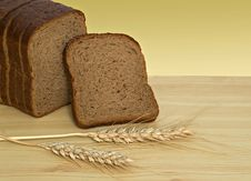Free Wheat Ears And Sliced Bread Stock Image - 9227971