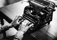 Free Two Hands Typing On Retro Typewriter Royalty Free Stock Image - 92237366