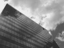 Free Skyscraper In Low Clouds Stock Photography - 92237882