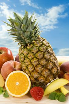 Free Fresh Fruit Royalty Free Stock Photos - 9234348