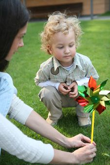 Free Boy With A Pinwheel Stock Photography - 9234982