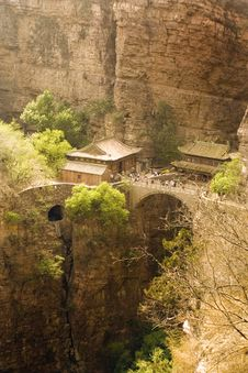 Free Fantastic View Of Mountains And Temples In Hebei Stock Photography - 9239782