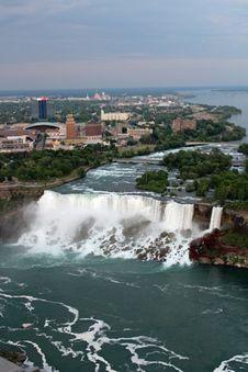 Free The American Falls At Niagara Royalty Free Stock Photography - 92329487