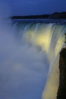 Free The Light Show Over The Horseshoe Falls, Niagara Royalty Free Stock Photos - 92329498