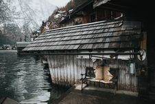 Free Old House By Water Stock Photography - 92330932