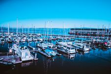 Free Boats And Ships In Harbor Royalty Free Stock Photos - 92331168