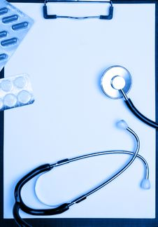 Free Medical Clipboard, Stethoscope And Pills Stock Image - 9241941