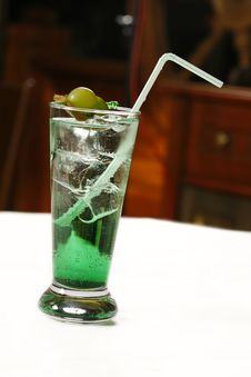 Free Green Cocktail Royalty Free Stock Photography - 9243777