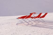 Free Red Deck Chairs Royalty Free Stock Photos - 9245358