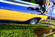 Free Car Reflection Royalty Free Stock Photography - 9247457