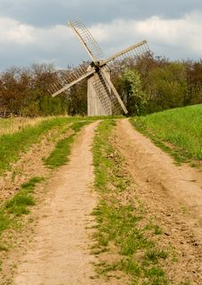 Free Old Windmill Royalty Free Stock Images - 9248329