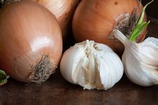 Free Garlic And Onions Royalty Free Stock Image - 9249176