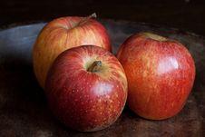 Free Three Apples Royalty Free Stock Photos - 9249218