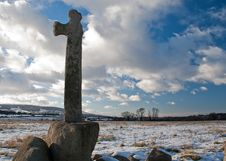 Free Stone Cross In Snow Royalty Free Stock Photo - 9249715