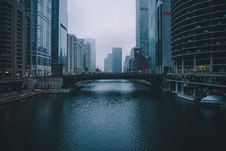 Free River In City Stock Image - 92429041