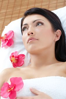 Free Beautiful Woman Relaxing Spa Stock Image - 9251091