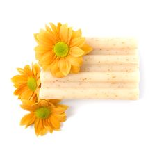 Free Natural Soap And Flowers Stock Photo - 9251410