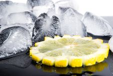 Free Lemon And Ice Royalty Free Stock Image - 9253456