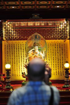 Free Bald Tourist Filing In A Chinese Buddhist Temple Royalty Free Stock Images - 9254189