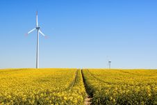 Free Wind Turbines Royalty Free Stock Images - 9257969