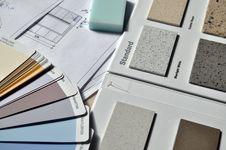 Free Gray Standard Color Book Near Green Eraser Royalty Free Stock Photos - 92524658