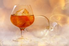 Free Clear Short Stem Wine Glass With Beverage Royalty Free Stock Photography - 92590627