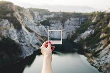 Free Cliffs Polaroid Photo Royalty Free Stock Photos - 92590748