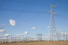 Free Electricity Pylons Royalty Free Stock Photo - 9262475
