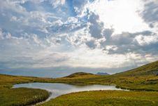 Free Rodnei Mountain Lake Royalty Free Stock Images - 9267239