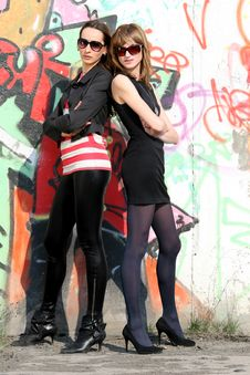 Free Friends At The Wall Royalty Free Stock Image - 9267826