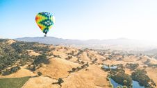 Free Blue Yellow And Orange Air Balloon Flying Stock Photo - 92653410