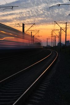 Free Rail Road Under Gray And Orange Cloudy Sky During Sunset Royalty Free Stock Photography - 92653427