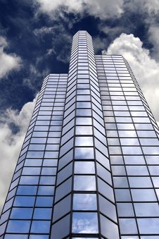 Free Office Building Skyscraper Royalty Free Stock Photography - 9276607