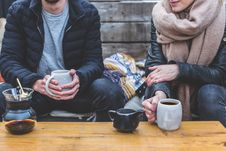 Free Man And Woman Having Coffee Outdoors Royalty Free Stock Photography - 92753327