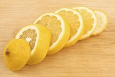 Free Sliced Lemon Stock Photography - 9286362