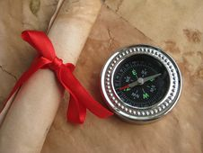 Free Old Letter And Compass Royalty Free Stock Photos - 9286458