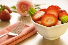 Free Fresh Sliced Strawberries Stock Photography - 9291272