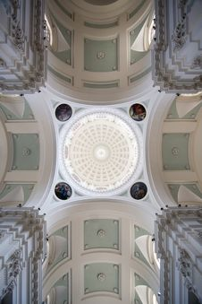 Free Magnificent Interior Ceiling Cathedral Royalty Free Stock Image - 9292486