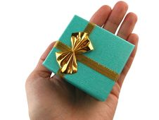 Free Gift In A Hand Stock Photos - 9294723