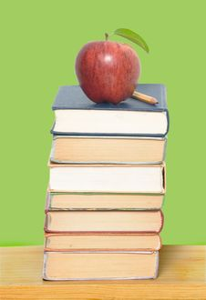 Free Red Apple And Pencil On Books Royalty Free Stock Image - 9294866