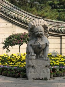 Free Stone Lions Royalty Free Stock Photography - 9295007