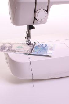 Free Sewing Money Machine Royalty Free Stock Photography - 9295357