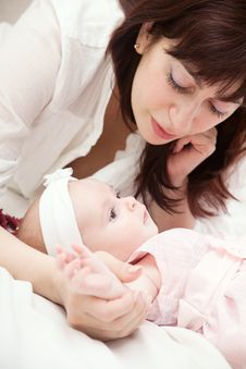Free Mother With Newborn Daughter Stock Images - 9296994