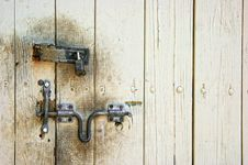 Free Old Dirty Door With Lock And Hasp Royalty Free Stock Photo - 9299575