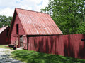 Free Red Barn With Fence Royalty Free Stock Image - 934786