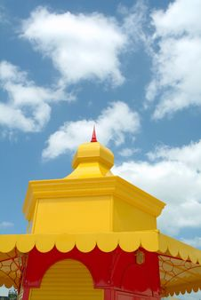 Free Colorful Roof Against The Sky Royalty Free Stock Photography - 930257